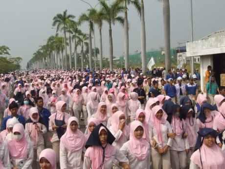 Ini UMK Resmi Jawa Barat 2015 November 24, 2014