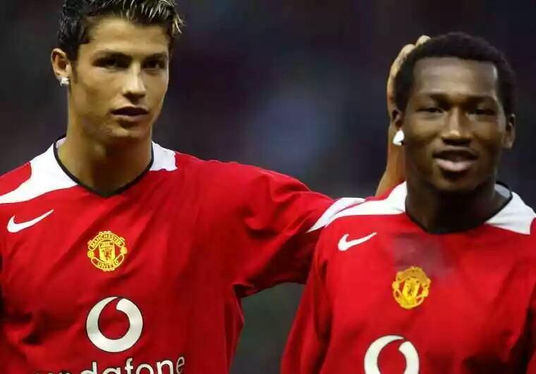 Liga Indonesia  - Eric Djemba-Djemba Gabung Persebaya Karena Messi